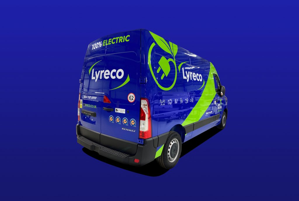 Lyreco-Cutout-Renault-Master-L2-H2-Rear-Angle-Blue-Background-1024x689